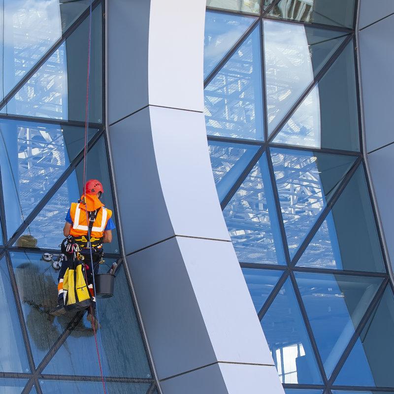 limpeza de vidros em altura e fachadas